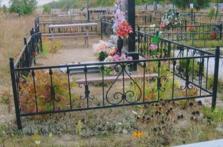 В Северске сотрудники похоронного бюро воровали ограды могил