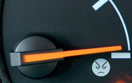 Мелкие сети АЗС по-прежнему испытывают дефицит топлива