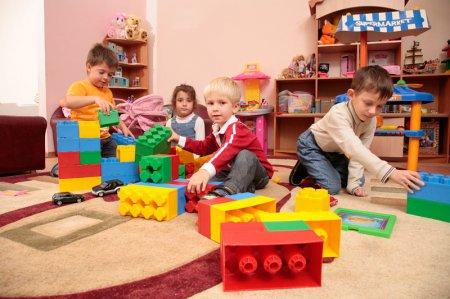 Томские власти планируют за два года ликвидировать очередь в детсады