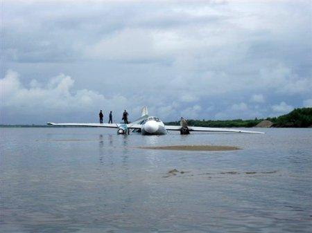 Экипаж севшего на Обь Ан-24 наградили путевкой на курорт