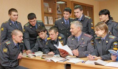 Старшеклассников будут готовить к службе в МВД