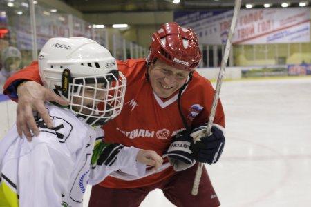 Северск отметил 65-летие отечественного хоккея