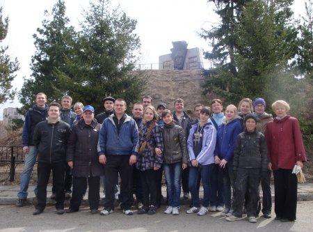 Молодежный парламент провел серию субботников на памятниках ВОВ