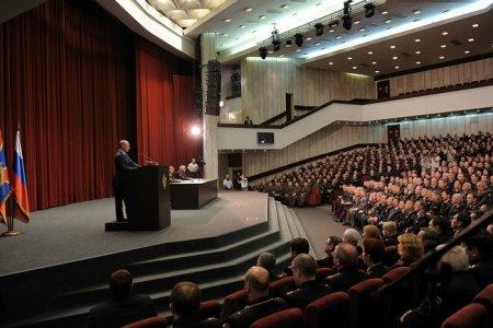 Владимир Путин представил личному составу МВД нового руководителя – Владимира Колокольцева