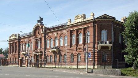Томский областной суд признал смерть должника уважительной причиной для невыплаты алиментов