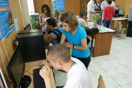 «Горячая пора» работы приемной комиссии Северского технологического института