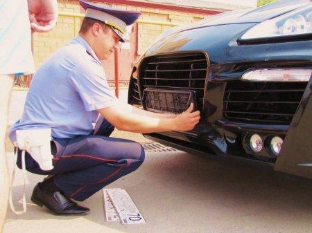 За несоблюдение правил тонировки сотрудники ГИБДД сняли номера с 58 автомобилей