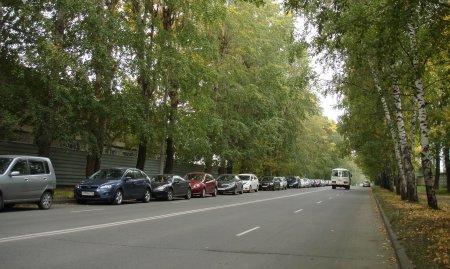 Он-лайн приемная администрации. Сколько мы еще будем жить на корпоративной парковке для военнослужащих?