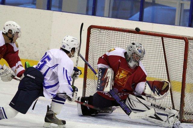 Два игрока северской хоккейной команды «Нефтянник-Смена» успешно играют за другие команды