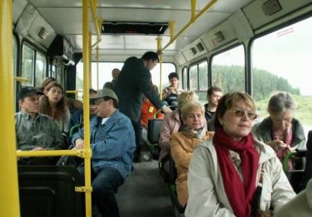 Во время резкого торможения маршрутки пассажирка ударилась головой