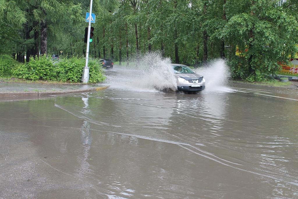 Дороги ушли под воду