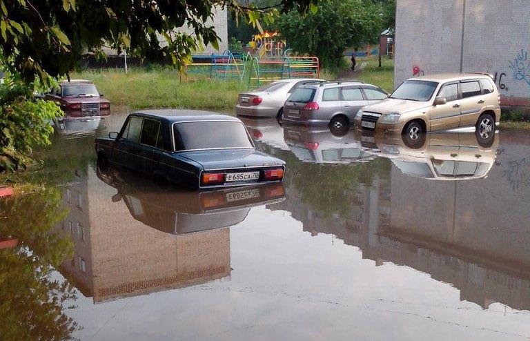 """Северские """"ливнёвки"""" не справились с ночным дождем"""