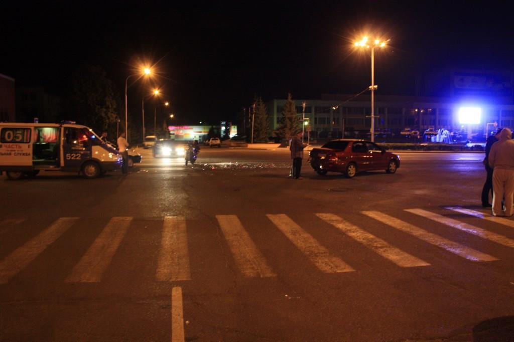 Мотоциклист сломал руки после столкновения с иномаркой