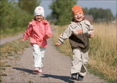 Родителей призывают ненавязчиво диктовать правила игры под названием «Жизнь» своим детям