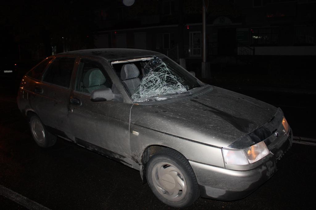 Сотрудник полиции попал под колеса автомобиля