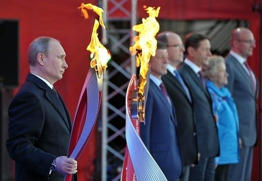 Олимпийский огонь Игр в Сочи погас во второй раз