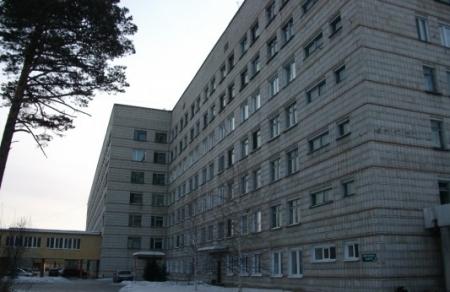 Прокуратура обязала Росздравнадзор проверить качество медпомощи в северской больнице