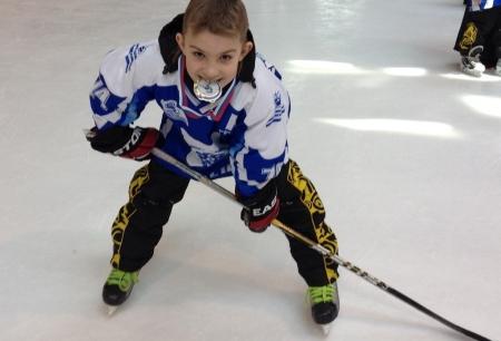 У наших хоккеистов – первое место!