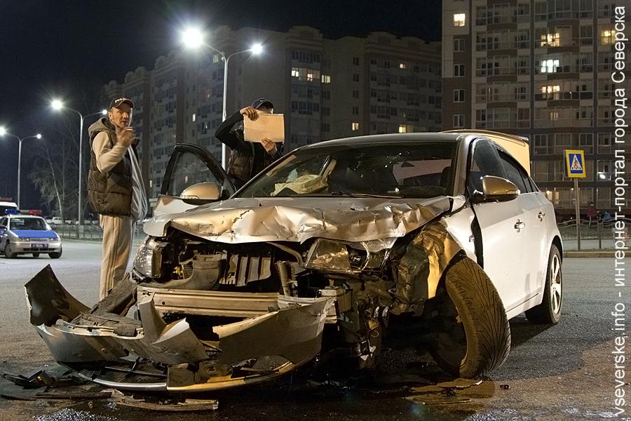 Иномарка протаранила пожарный автомобиль. Официальная информация ОГИБДД УМВД России по ЗАТО Северск
