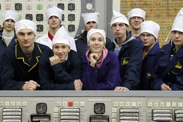 Новосибирским школьникам показали на СХК атомный реактор