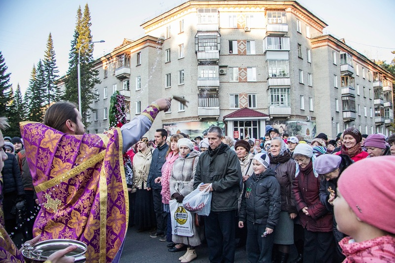 Северчане прошли крестным ходом по городу