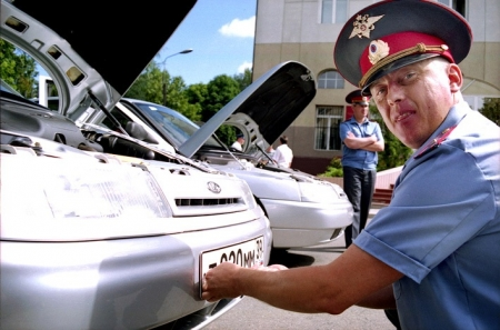 Владельцы автомобилей могут вернуть себе снятые госзнаки