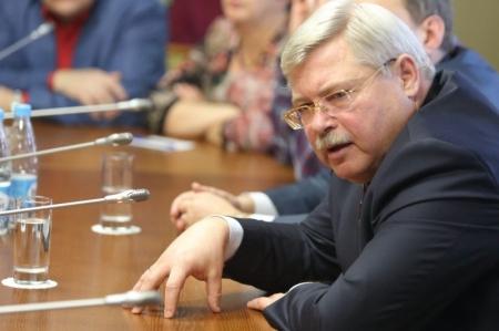 Губернатор Жвачкин запретил чиновникам покупать служебные авто в 2015 году