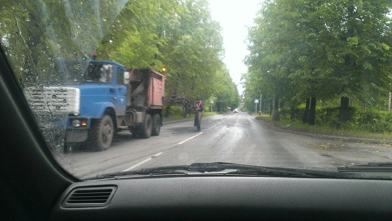 Начались дожди - начался ремонт дорог