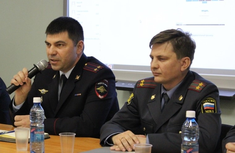 Полицейские совместно с общественниками приняли участие в «круглом столе» на тему «Безопасность в сети Интернет»