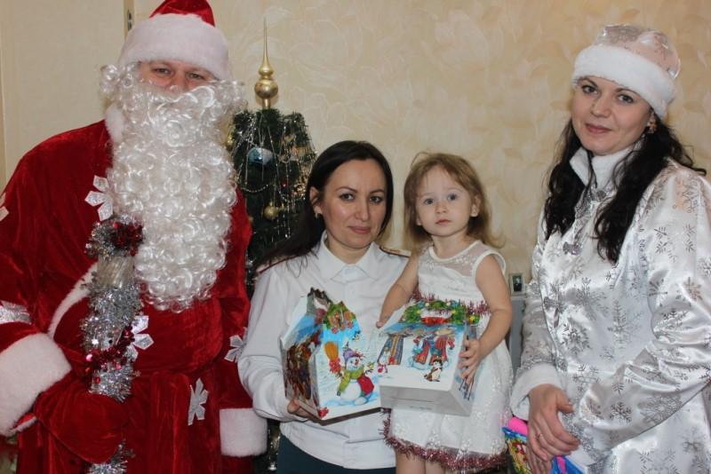 Северские полицейские «Деды Морозы» поздравили детей с наступающим Новым годом