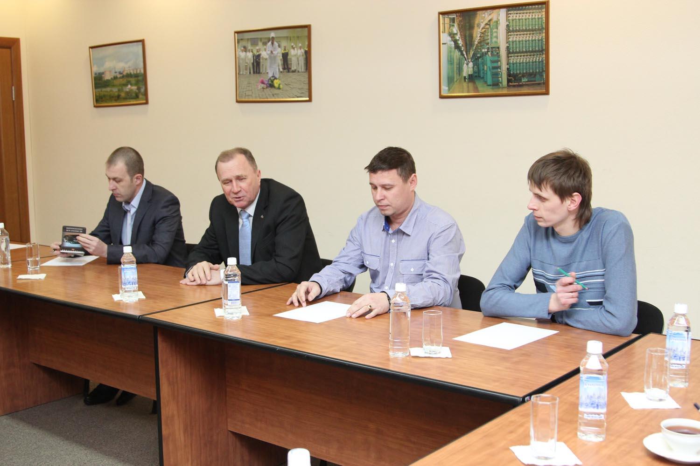 Гендиректор СХК встретился с работниками химико-металлургического завода
