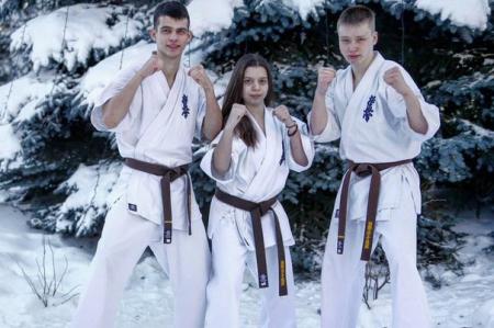 Северские спортсмены посетили зимнюю школу Федерации кёкусинкай России