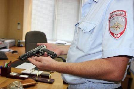 Полиция продолжает акцию по добровольной возмездной сдаче оружия