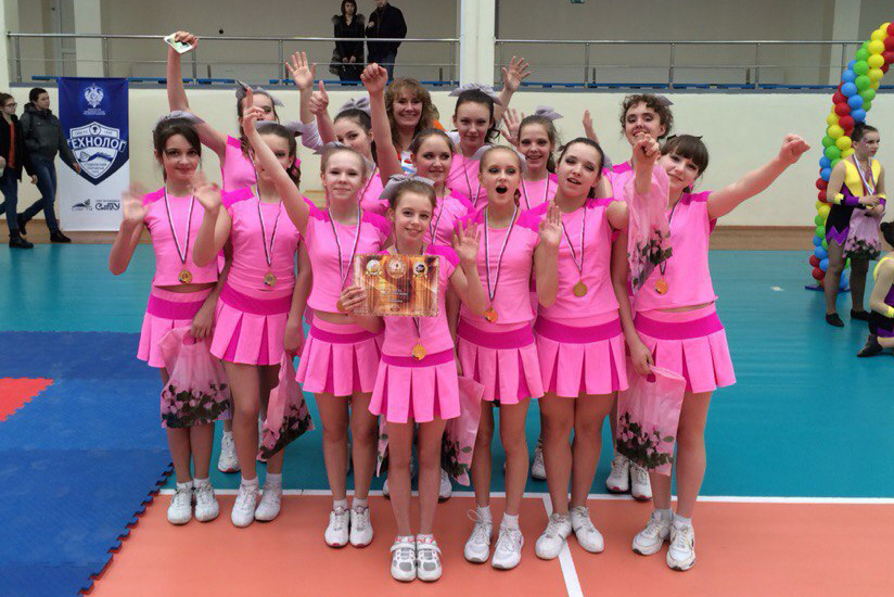 Северская команда вернулась с золотом с чемпионата Красноярского края по черлидингу