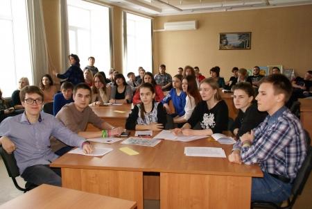 Студенческие команды «сразились» в интеллектуальной игре, посвященной знанию истории России