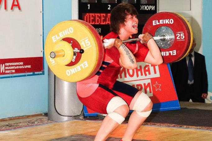 Северчанка завоевала серебро чемпионата СФО по тяжелой атлетике