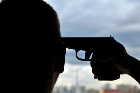 Мужчина покончил жизнь самоубийством
