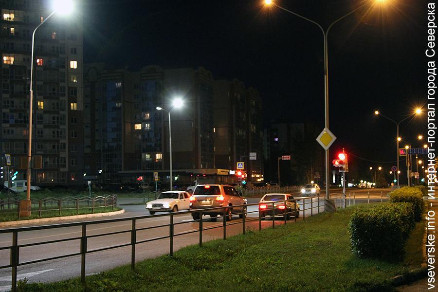 Светофор на перекрестке ул.Калинина с ул.Солнечной временно приостанавливает работу