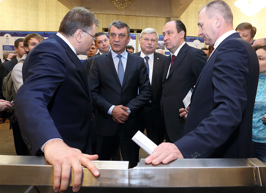 Жвачкин и сибирский полпред обсудили перспективы предприятий ОПК