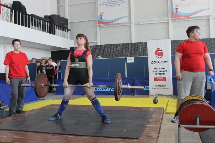 Спортсмены завоевали медали на Кубке Томской области по пауэрлифтингу