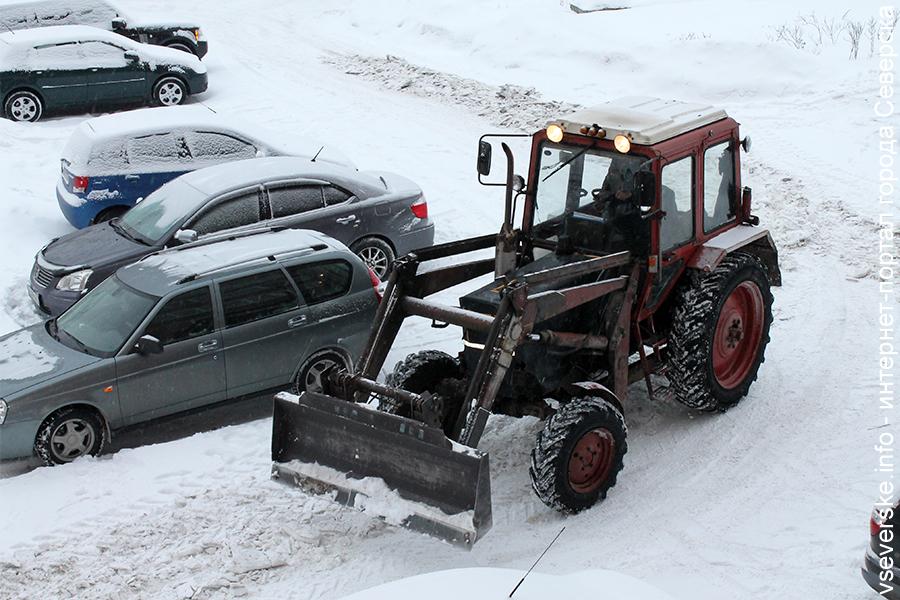 В городе не хватает трактористов и машинистов автогрейдеров