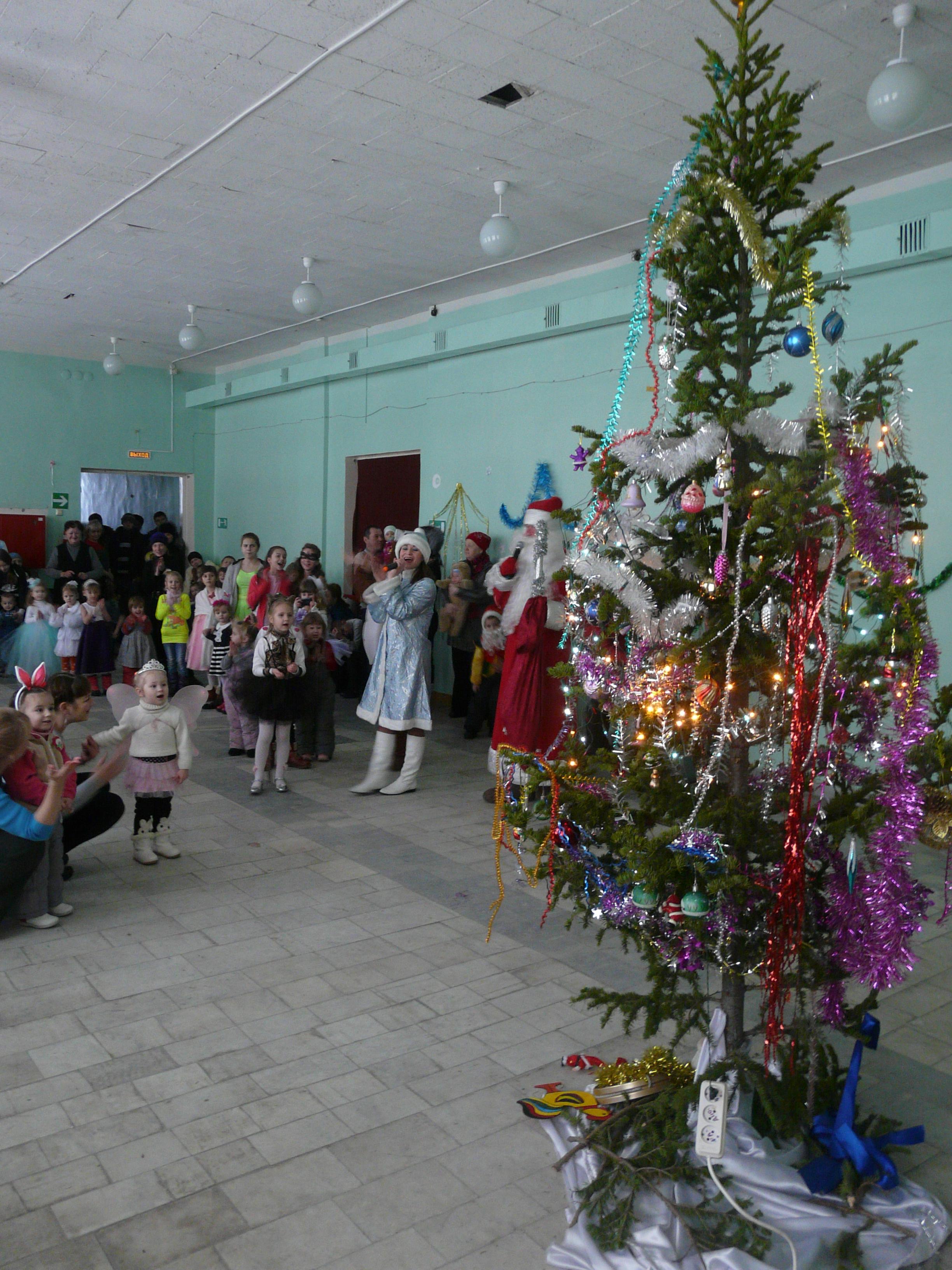 В поселке Иглаково для детей организовали новогодний праздник