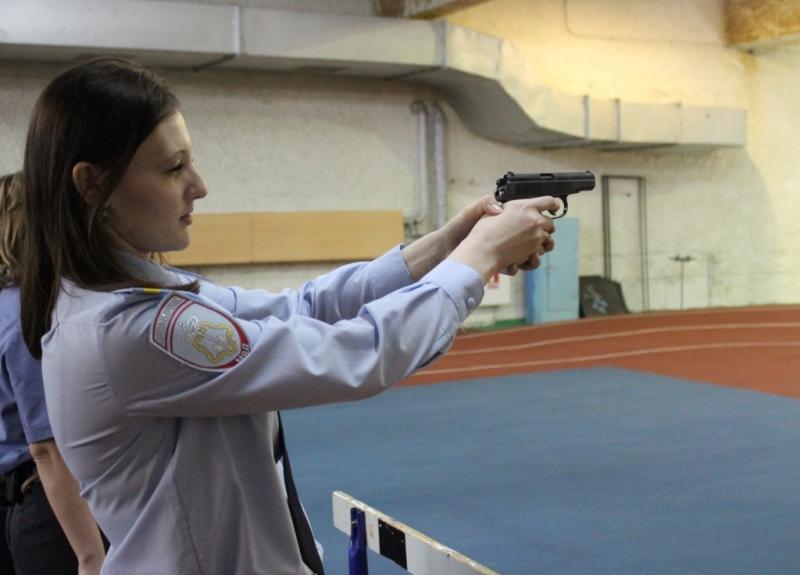 В Северске состоялись соревнования по стрельбе среди сотрудников полиции
