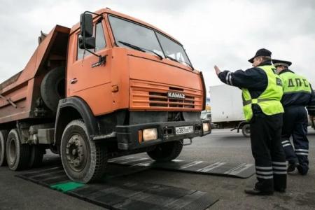 С 1 апреля на дорогах области вводится ограничение движения большегрузов