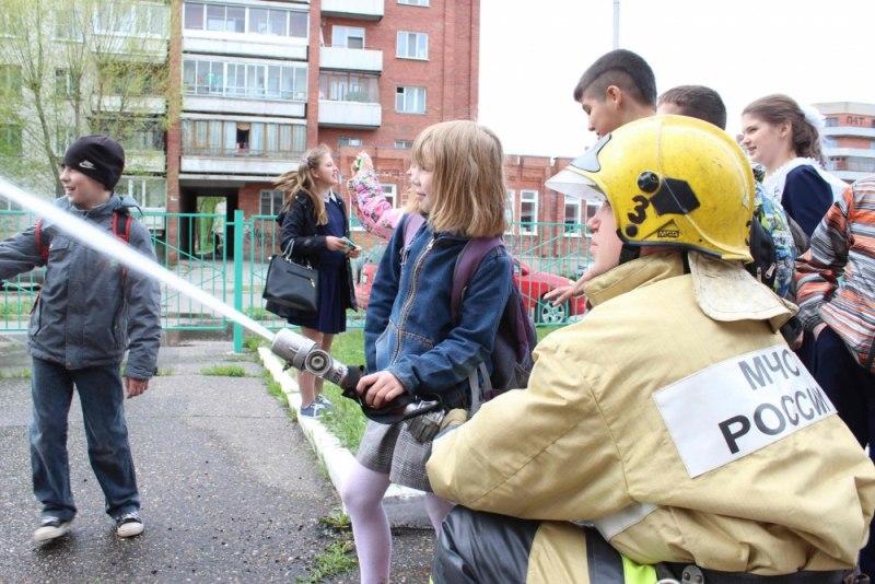 В Северске прошел спортивный праздник по водно-спасательному многоборью