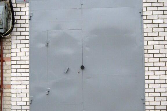 Северчанин обвиняется в краже гаражных ворот весом 500 килограммов