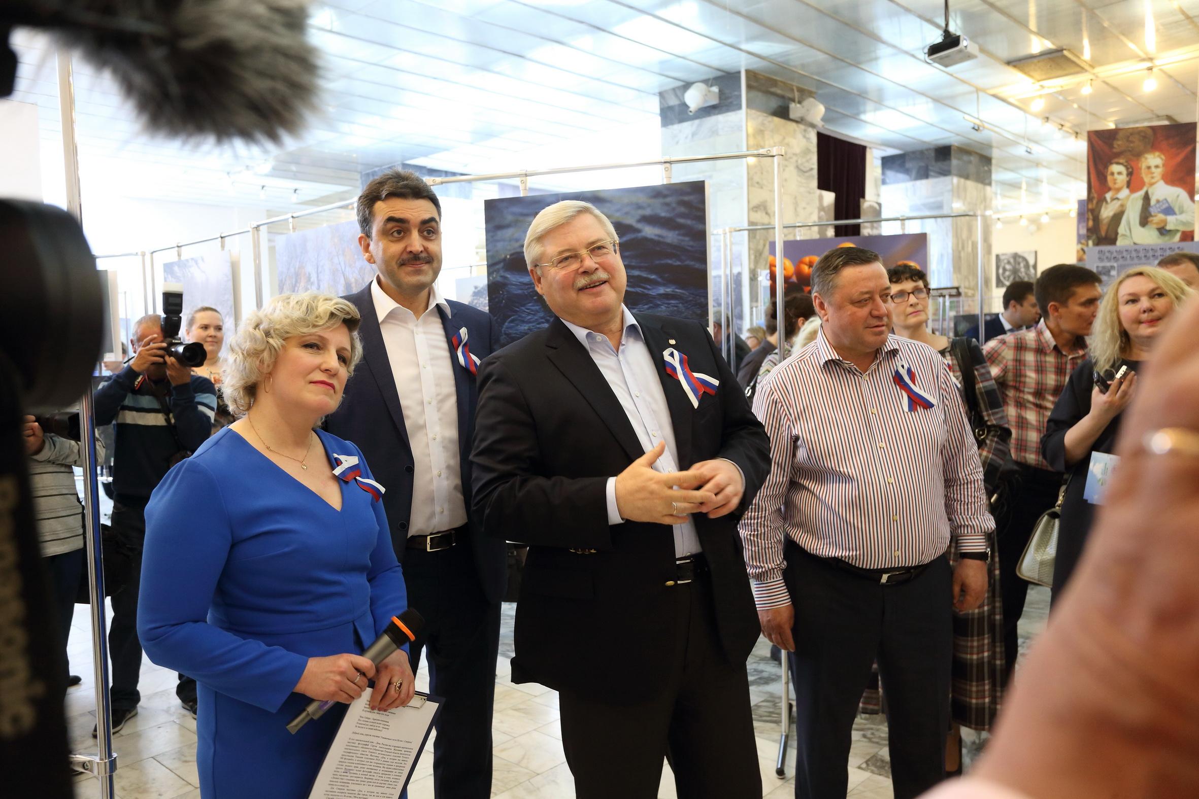 В Северске открылась выставка фотографий Сергея Жвачкина