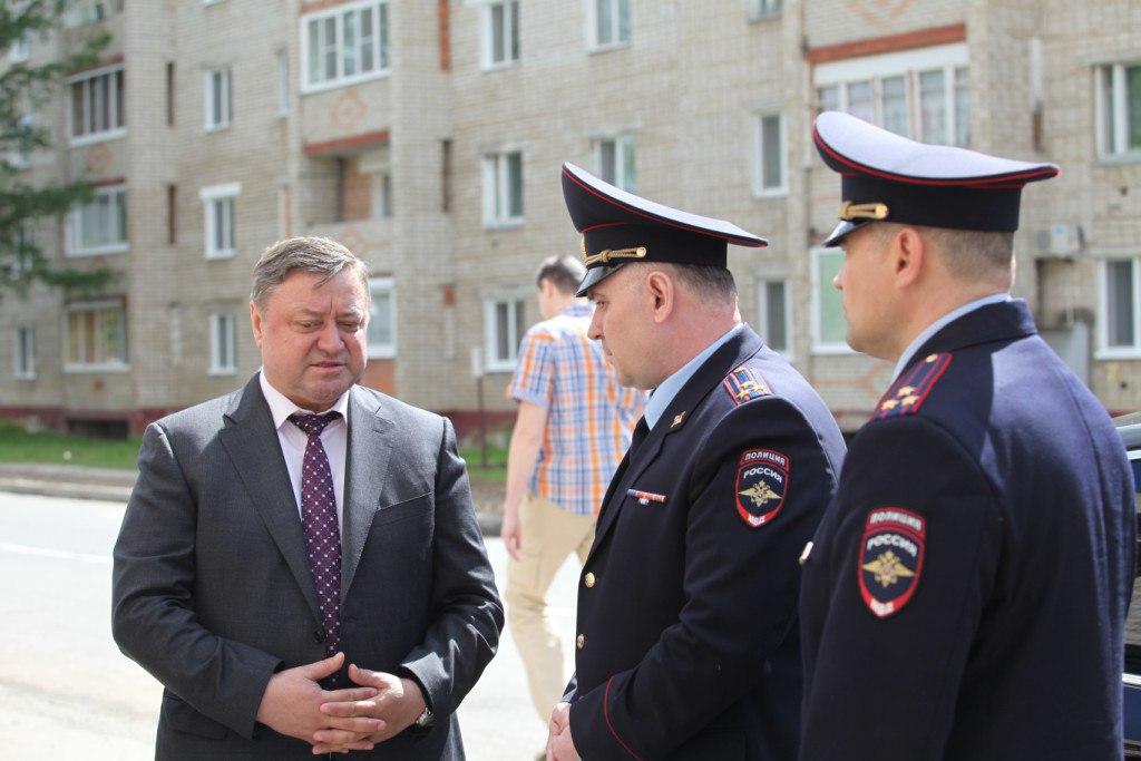 Начальник регионального УМВД посетил отделение полиции в поселке Самусь