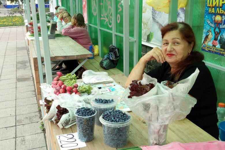 Давайте будем покупать овощи и творить добро!