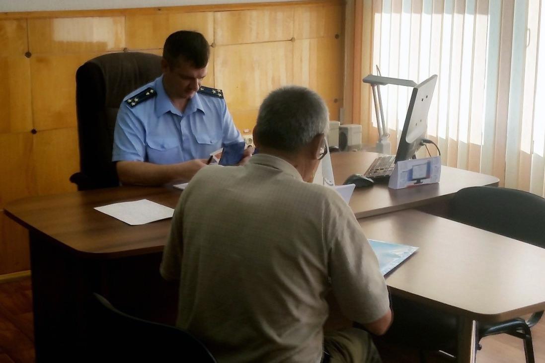 Прокурор Андрей Екименко провел личный прием граждан в поселке Самусь